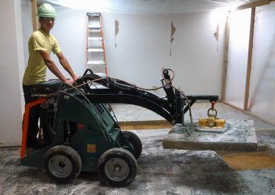 Vacuum Lift for Electric Walk-Behind Skidsteer